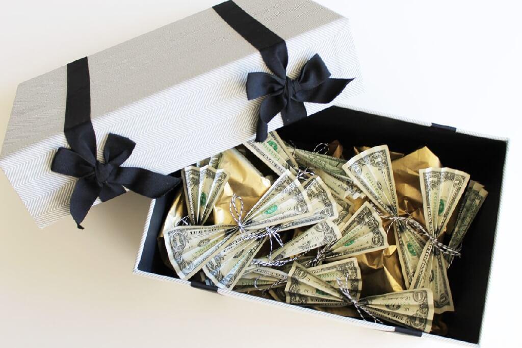 Как оригинально подарить деньги на свадьбу. Необычные Идеи  Фото