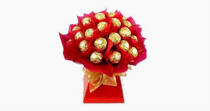 Подарок маме букет из конфет